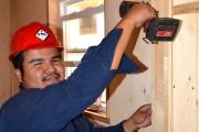 Tciky Penosway, 32 ans, charpentier-menuisier, représente bien la... (Guillaume Lévesque) - image 2.0