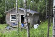 Un exemple de petite maison, sans eau courante,... (Guillaume Lévesque) - image 3.0