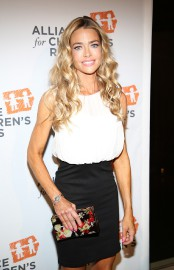 Denise Richards... (PHOTO AP) - image 2.0