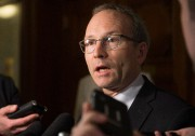 Le président du Conseil du trésor, Martin Coiteux,... (PhotoJacques Boissinot, La Presse Canadienne) - image 1.0