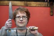Lucie Côté se passionne pour les couteaux depuis... (Le Soleil, Jean-Marie Villeneuve) - image 1.0