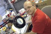 Sans l'implication bénévole du réparateur de jouets Paul... (Photo Le Progrès-Dimanche, Rocket Lavoie) - image 1.1
