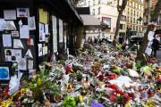 La devanture du café Belle Équipe touché par... (AFP, Bertrand Guay) - image 5.0