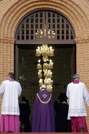 François a ouvert la «porte sainte» de la... (PHOTO AP) - image 2.0