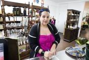 Anne Petitclerc, propriétaire du magasin Multiservices Vert... (Martin Roy, LeDroit) - image 11.0