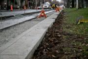 Le demi-trottoir aménagé sur la rue De Brébeuf.... (PHOTO DAVID BOILY, LA PRESSE) - image 1.0