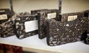 Des échantillons de bitume.... (PHOTO ANDRÉ PICHETTE, LA PRESSE) - image 1.0