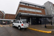 Une enquête est en cours au Centre hospitalier... (François Gervais) - image 1.0