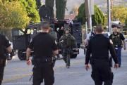 Les policiers ont pris le contrôle de plusieurs... (AFP, Frederic J. Brown) - image 1.1