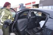 Dans cette voiture se trouvaient des sacs de... (Photo Le Quotidien, Louis Potvin) - image 1.0
