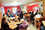 La clientèle du café augmente de semaine en... (Photo Le Quotidien, Laura Lévesque) - image 2.0