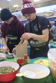 Antoine Girard, de la Brigade culinaire de l'école... (Photo Le Progrès-Dimanche, Mélissa Viau) - image 2.0