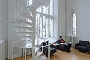 La salle de lecture est inondée de lumière.... (PHOTO PATRICE LAROCHE, LE SOLEIL) - image 2.1