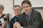 Le député de Jonquière Sylvain Gaudreault a offert... (Photo Le Quotidien, Michel Tremblay) - image 2.0