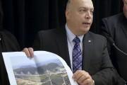 Le ministre des Transports du Québec, RobertPoëti, a... (Le Soleil, Pascal Ratthé) - image 2.0