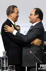Le président français François Hollande et le secrétaire... (PHOTO AFP) - image 4.0