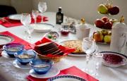 La table des Mourog est dressée avec soin,... (PHOTO MARCO CAMPANOZZI, LA PRESSE) - image 2.0