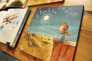 Couverture du livre Pique la lune, une petite... (Le Soleil, Patrice Laroche) - image 2.0