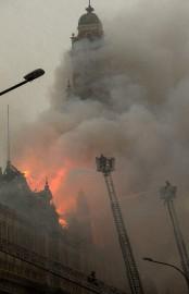 Un important incendie a entièrement détruit lundi le Musée de la... (PHOTO AP) - image 2.0