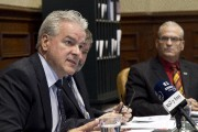 Le maire Bernard Sévigny a qualifié le budget... (Spectre, Jessica Garneau) - image 2.0