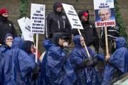 Rassemblement de cols bleus devant la mairie de... (Photo Patrick Sanfaçon, archives La Presse) - image 2.0