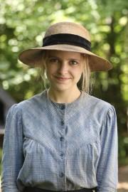 Sarah-Jeanne Labrosse joue Donalda.... (Fournie par ICI Radio-Canada Télé) - image 5.0