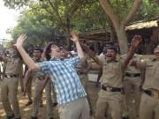 Yves Pelletier en Inde pour Rire du monde... (Fournie par TV5) - image 6.0