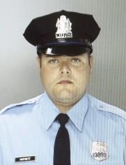 Le policier Jesse Harnnett.... (PHOTO AP) - image 3.0