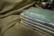 Plusieurs DVD de la série dans laquelle joue... (Associated Press, Eduardo Verdugo) - image 1.0