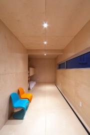 Entièrement recouverte de pin russe, les lits sont... (PHOTO FOURNIE PAR RE/MAX DU CARTIER) - image 3.0