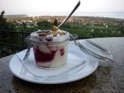 Un simple dessert de crème fraîche et de... (Pierre Jury, LeDroit) - image 2.0