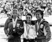 Sylvie Bernier (centre), a remporté la première médaille... - image 1.0