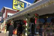 Le magasin général Zeb's regorge de produits, que... (PHOTO ÉMILIE CÔTÉ, LA PRESSE) - image 2.0
