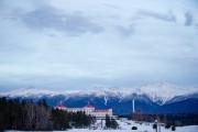 Avec les montagnes en arrière-plan, l'hôtel Omni Mount... (PHOTO DAVID BOILY, LA PRESSE) - image 3.0