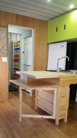 Cette vue de la cuisine laisse voir la... (PHOTO FOURNIE PAR MAISONS OPTIMUM) - image 1.1