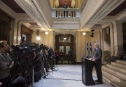 Philippe Couillard a rendu hommage aux victimes québécoises... (La Presse Canadienne, Jacques Boissinot) - image 2.0
