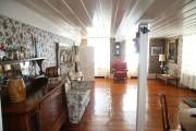 L'immense salle de séjour, étonnament lumineuse, a conservé... (PHOTO MARTIN CHAMBERLAND, LA PRESSE) - image 2.0