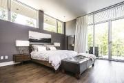 La chambre est suffisamment spacieuse pour accueillir un... (PHOTO FOURNIE PAR SOTHEBY'S INTERNATIONAL REALTY QUÉBEC) - image 3.0