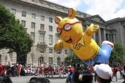 Le défilé avec des personnages de dessins animés... (La Tribune, Jonathan Custeau) - image 2.0