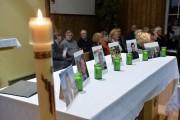 La paroisse Bon-Pasteur a rendu hommage aux six... (Le Soleil, Caroline Grégoire) - image 2.0
