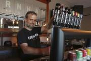 Jean Gadoua, de la microbrasserie Farnham Ale&Lager, se... (archives La Voix de l'Est) - image 1.0