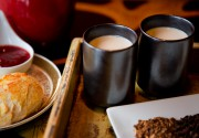 Le thé latté d'hiver se déguste dès le... (PHOTO MARCO CAMPANOZZI, LA PRESSE) - image 3.0