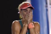 Angelique Kerber a versé quelques larmes à la... (PHOTO GREG WOOD, AFP) - image 1.0