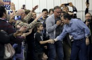 Ted Cruz a rencontré des supporters dimanche à... (PHOTO REUTERS) - image 2.0