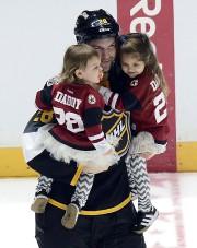 John Scott a invité ses deux filles sur... (PHOTO AP) - image 2.0
