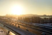 Au-delà de l'autoroute, les copropriétaires pourront admirer le... (PHOTO BERNARD BRAULT, LA PRESSE) - image 2.0