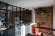 La salle est séparée de l'action de l'extérieur... (PHOTO ÉDOUARD PLANTE-FRÉCHETTE, LA PRESSE) - image 1.0