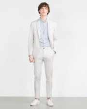 Veste (169$), chemise (49,90$), pantalons (69,90$), chaussures (45,90$),... (PHOTO ZARA) - image 3.0
