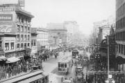 Pour cinq cents la course, les jitneys offraient... (Archives de la ville de Vancouver, CVA 677-953) - image 2.0