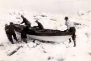 Joseph Lachance guide sa famille en canot à... (Photo fournie par la famille Lachance) - image 1.0